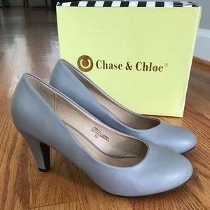 Grey small heel pumps